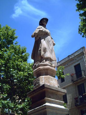 Plaça Sant Vicenç de Sarrià, Barcelona: An Illustrious Biker
