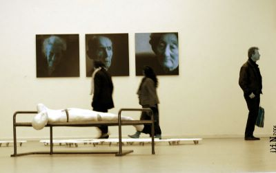 Pictures at an exhibition, © Dreaming in Neon 2006