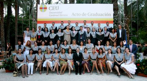 Acto de graduación de la II Promoción de Periodismo de la Universidad CEU Cardenal Herrera de Elche