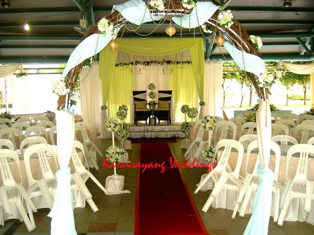 Kasaisayang weddings december 2005 apple green was the chosen colour concept for ms immilias wedding decoration jurong west st 65 junglespirit Image collections