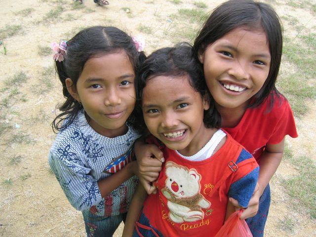 3 indo girls