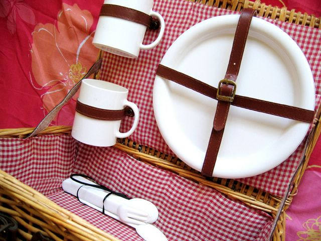 picnic basket interior
