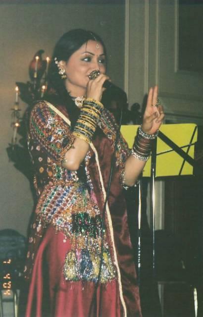 Pakistani singer Shazia Khushk quits singing for religion