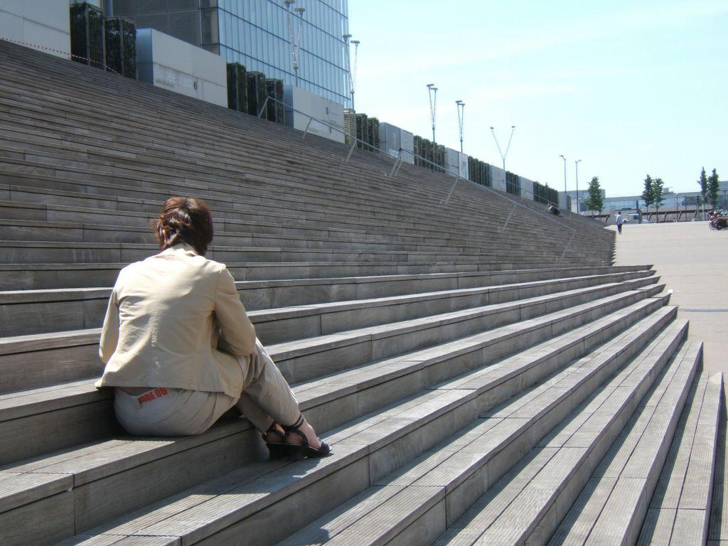 """Résultat de recherche d'images pour """"bibliothèque françois mitterrand escaliers"""""""