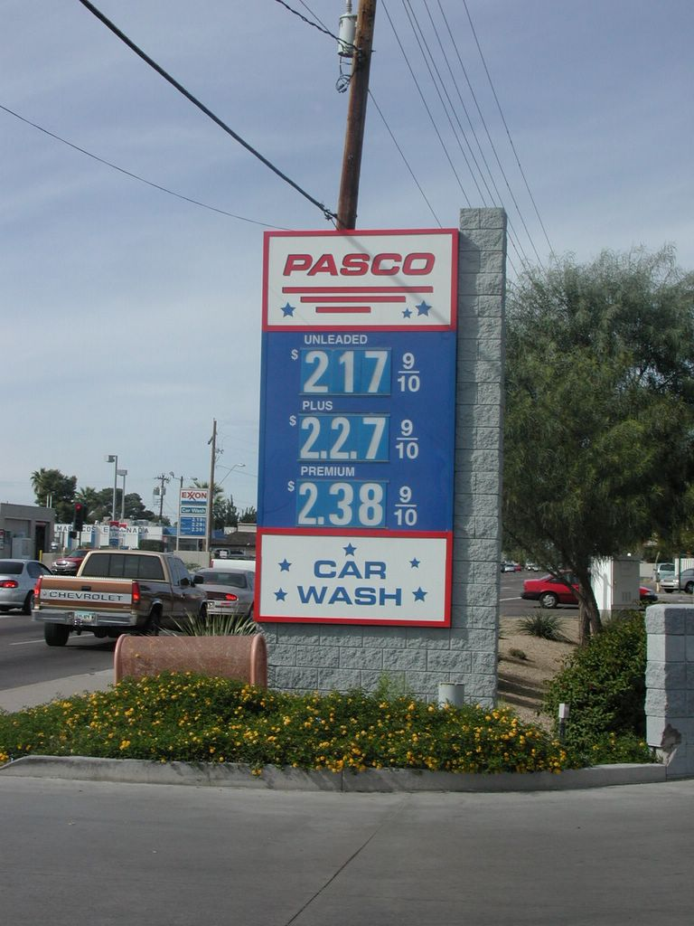 Phoenix Gas Prices >> Kle Class Of 97 Friends Gas Prices In A Phoenix Gas Station