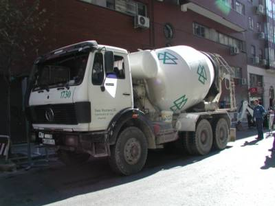 Concrete truck in Madrid (for Murray)