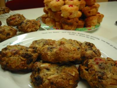 Holiday Date-Nut Cookies