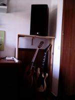 Mis guitarras y el mueble personalizado