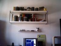 Otro estante del Apocalipsis, no hagais caso de las tarrinas de CDs