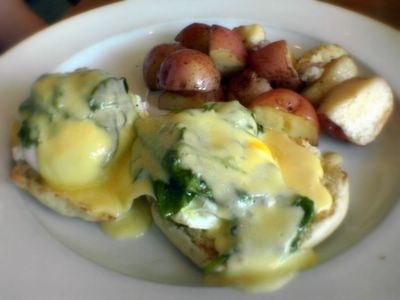 photograph picture of Eggs florentine The Liberty Cafe in Bernal Heights filed under Cafe Review