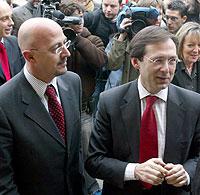 Robles (derecha) con su efímero sucesor al frente del PND, César Pascual