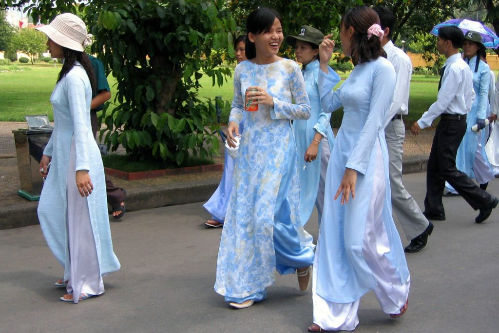 Elegant  Dress For Vietnamese Women  Traditional Clothes  Vietnam Culture
