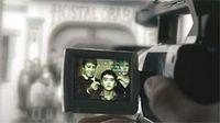 La cámara de la protagonista de Obaba intenta captar la realidad de una fotografía. ® Altafilms.
