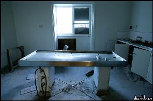 Autopsy bench