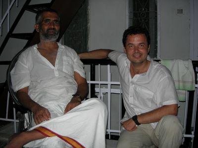 Con Swami Rudradev