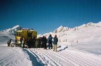 Snowcat Loading on Lodge Ridge at Chatter Creek Cat Skiing