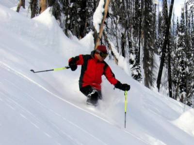 Powder Skiing on the East Ridge