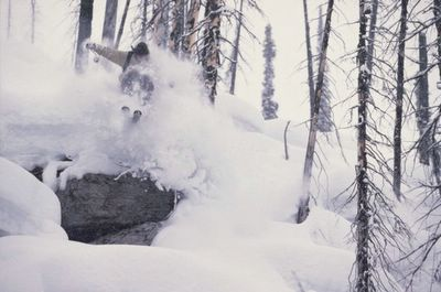 Mark Gallup photographs Ryan Oakden powder skiing at Chatter Creek