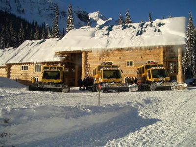 Vertebrae Lodge and Snowcats at Chatter Creek Snowcat Skiing