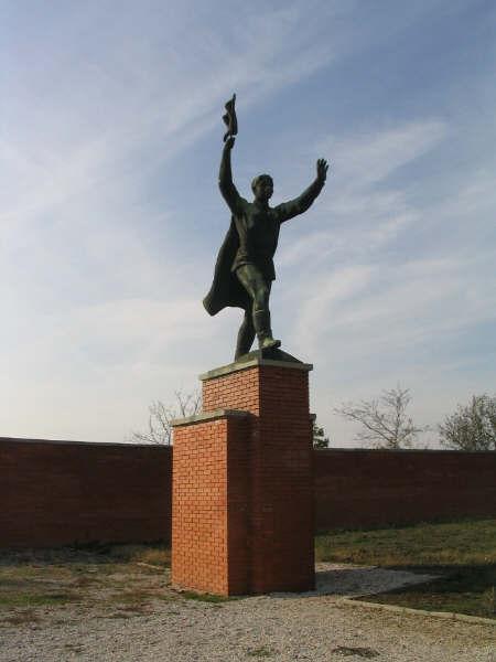 Statue_Park_Osztapenko.jpg