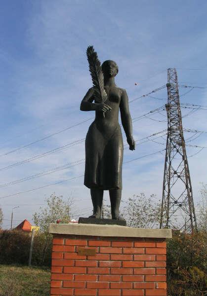 Statue_Park_SovietHeroicMem.jpg