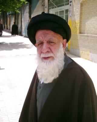 هنرمند خوشنویس کرمانشاهی آیت الله نجومی