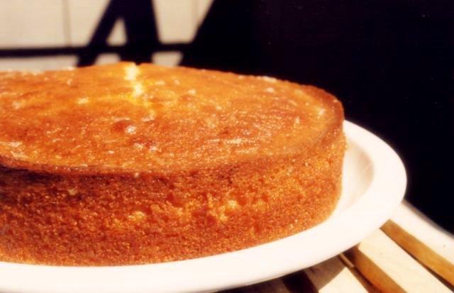 Simple Apple Sponge Cake Recipe