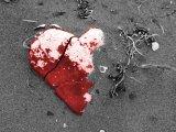 Image derived from Broken Heart © 2001 by David Julian at http://www.davidjulian.com/kayaking/surf2001/pages/broken%20heart.htm