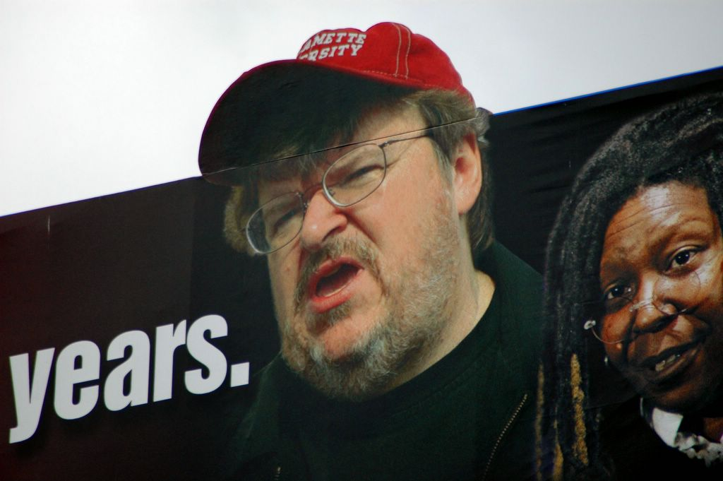 michael moore sicko thesis