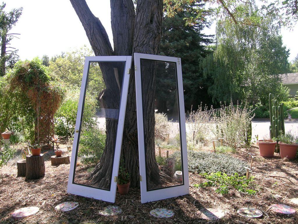 Stuff for freecycle indoor screen doors for french doors for Indoor screen door