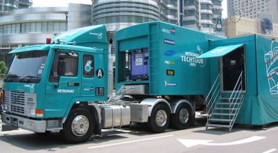 petronas trailer truck
