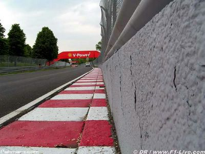 infamous wall [www.f1-live.com]