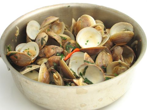 Steamed clams with sweet n' spicy basil, lime and galangal broth