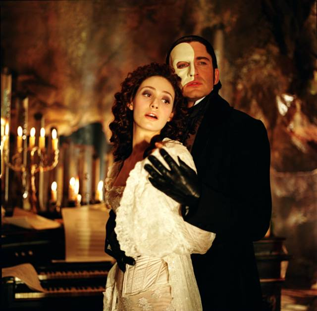 Valentine on Film: Movie Review: The Phantom of the Opera (2004)
