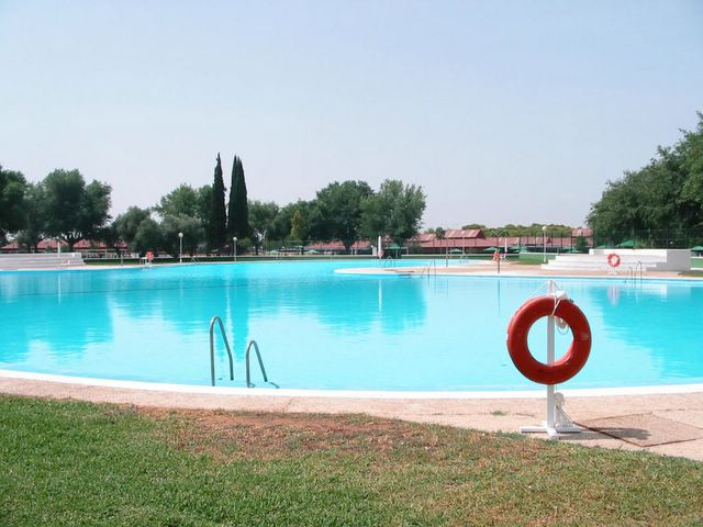Y yo con estos pelos club de campo de sevilla for Piscine sevilla