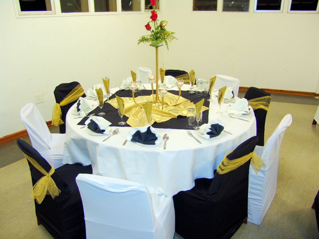 Black and White. A simple table setting. & Petals Function Coordinators - Since 1992: Black and White