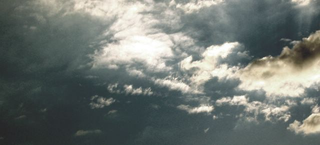 mais um dia com a cabeça nas nuvens
