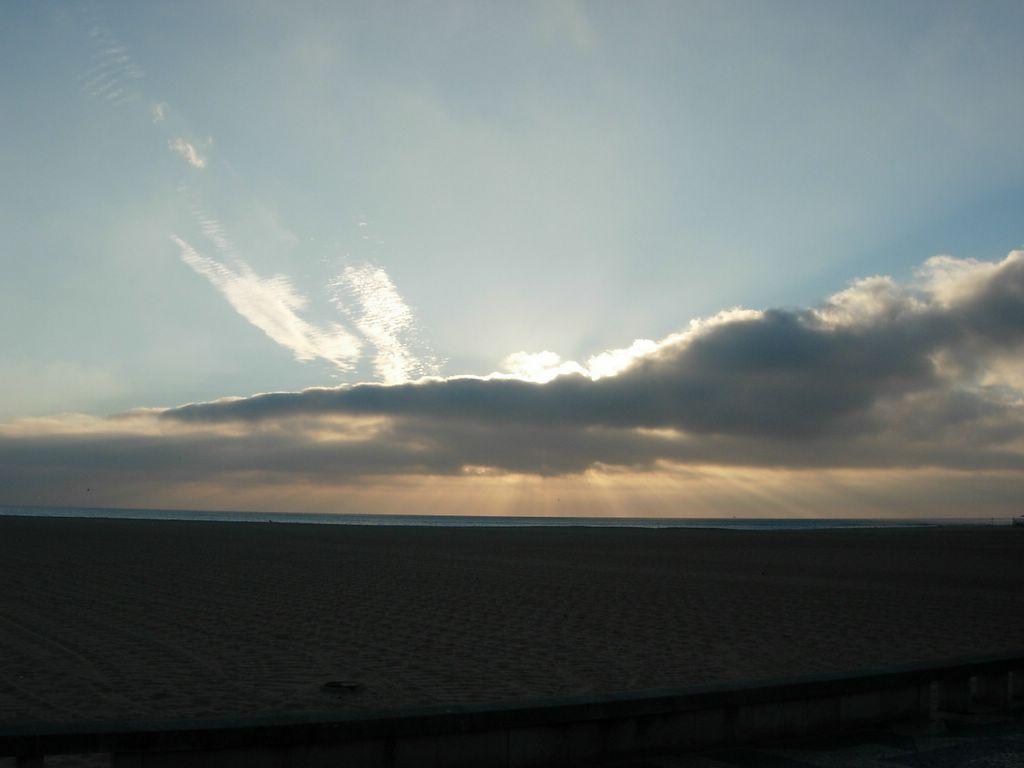 Miosices com a cabea nas nuvens no so poucas as vezes que damos por ns bem acordados com a cabea nas nuvens mas imaginem que poderamos estar mesmo muito mais acima das nuvens e olhar thecheapjerseys Choice Image