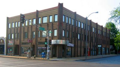 art deco building at brannon and chippewa photo by Toby Weiss