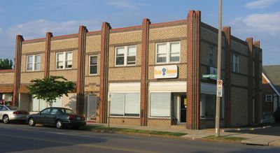 Art deco at Hampton Ave & Neosho photo by Toby Weiss