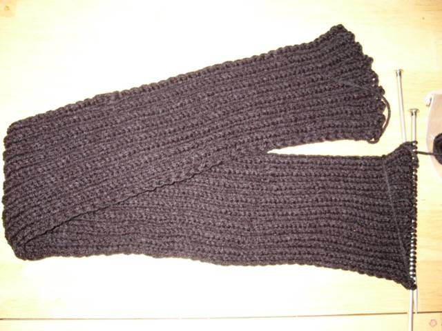 Black Ribbed Scarf