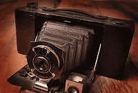 vecchia macchina fotografica a soffietto