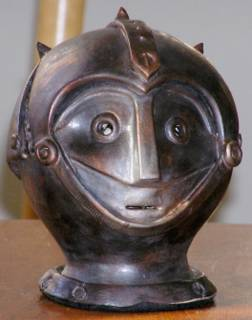 The prize is a statue of the head of the robot Atorox
