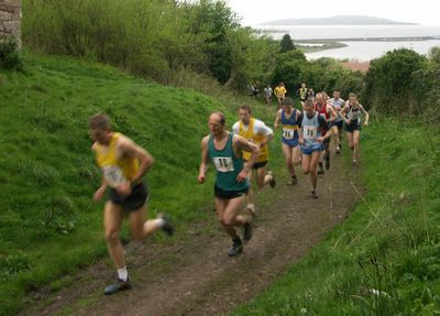 Briefly leading eventual winner Alan Smith at Kaim Hill Race