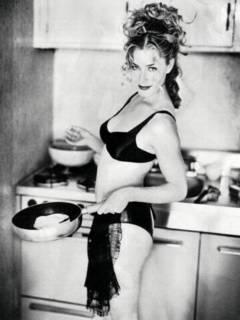 Elizabeth Shue, black bra and panties