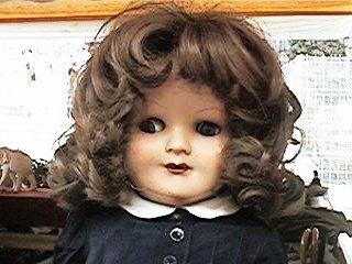 foto de muñeca antigua