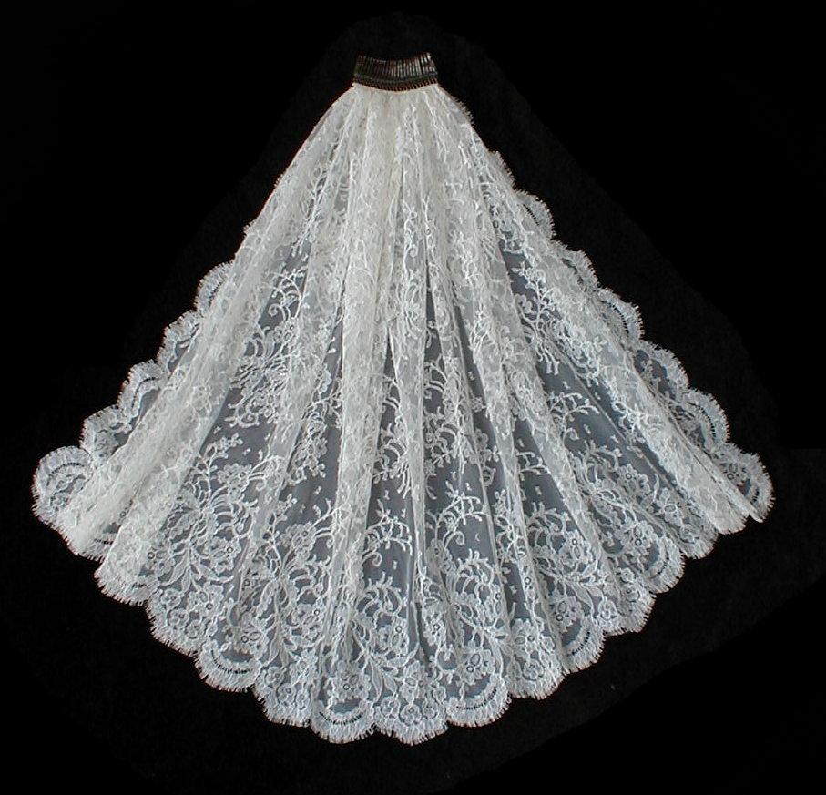 Kristen Elizabeth Lace Wedding Veils