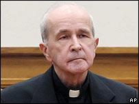 """LA ORDEN JESUITA DETRÁS DE LOS """"INDIGNADOS"""" _41399339_priest_ap_203body"""