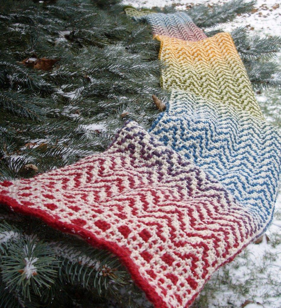 Knitting Patterns Scarves 2 Colors : Free Patterns: Vertigo