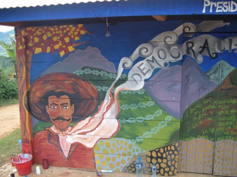 The dream antilles oaxaca deafening silence for Mural zapatista